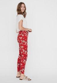 Vero Moda - Trousers - goji berry - 3
