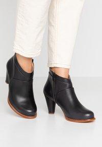 Neosens - BEBA - Ankle boots - ebony - 0