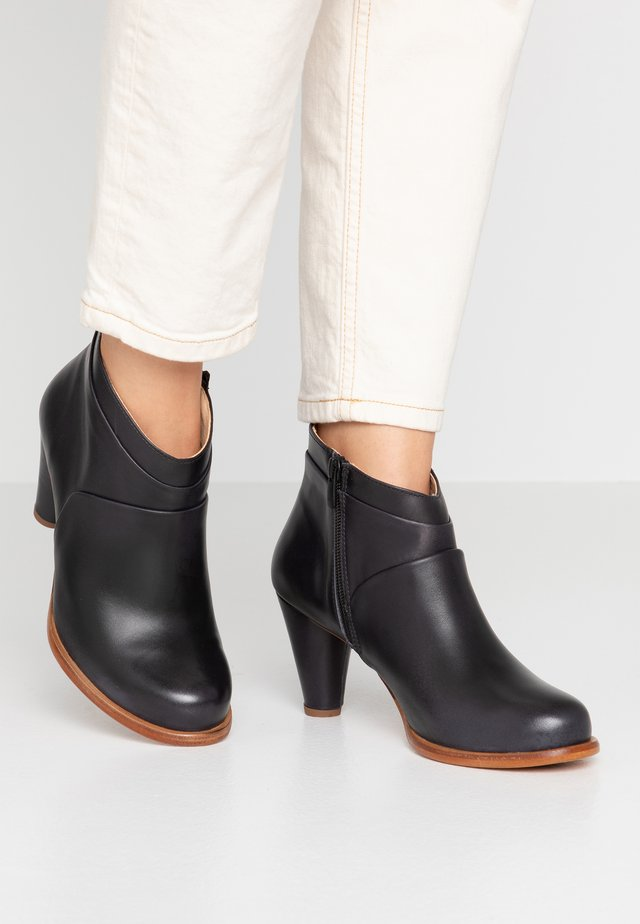 BEBA - Ankle boots - ebony