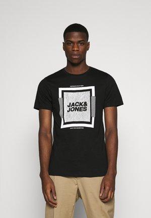 JCOHIM TEE CREW NECK - Print T-shirt - black