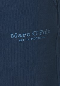 Marc O'Polo - WITH FRONT AND BACK POCKETS - Shorts - total eclipse - 2