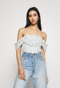 Missguided - RUCHED BARDOT CROP - Print T-shirt - white - 0
