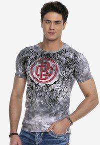 Cipo & Baxx - Print T-shirt - anthracite - 0