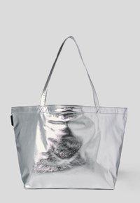 KARL LAGERFELD - Tote bag - silver - 1