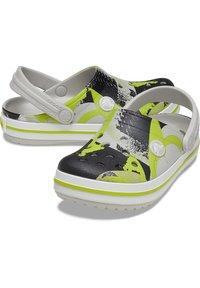 Crocs - Badesandaler - pearl - 5