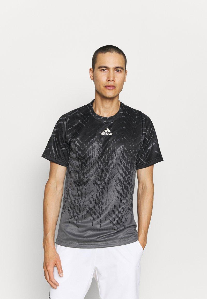 adidas Performance - TEE - Camiseta estampada - grey five