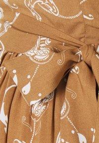 Glamorous Bloom - MIDI DRESSES WITH PUFF SLEEVES - Sukienka letnia - brown - 2