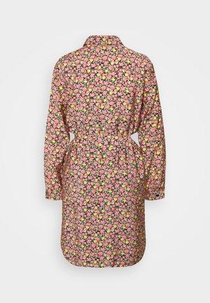 VMELLIE DRESS  - Košilové šaty - geranium pink