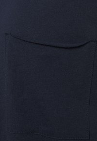 Marc O'Polo DENIM - SHORT SLEEVE CHEST POCKET - Basic T-shirt - scandinavian blue - 2