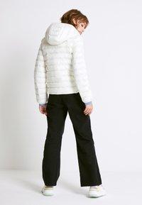 Levi's® - PACKABLE JACKET - Light jacket - tofu - 2
