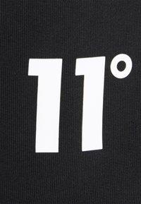 11 DEGREES - TIE DYE SWEAT SHORTS - Kraťasy - black - 5