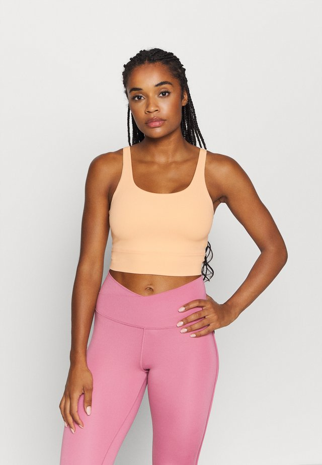 YOGA LUXE CROP TANK - Sports shirt - orange chalk/gelati