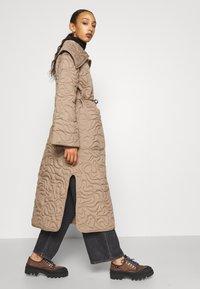 By Malene Birger - TIAMUS - Classic coat - clay - 4