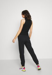 Gina Tricot - BASIC - Tracksuit bottoms - black