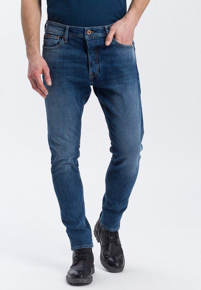 JADEN - Slim fit jeans - mid-blue