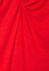 CAPSULE by Simply Be - TWIST BACK DETAIL - T-shirts - bright red - 5