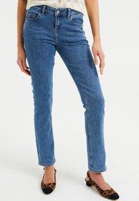 WE Fashion - MET SUPER STRETCH - Jeans slim fit - blue - 1