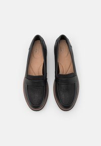 Clarks - SHARON GRACIE - Loaferit/pistokkaat - black - 4