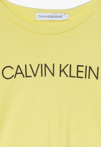 Calvin Klein Jeans - INSTITUTIONAL - Printtipaita - yellow - 2