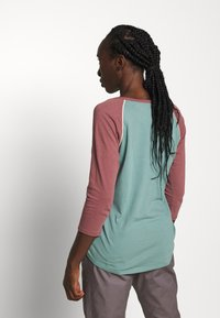 Burton - ASHMORE  - Long sleeved top - light blue - 2