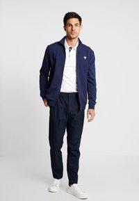 Guess - FOX TRACK  - Zip-up hoodie - blue navy - 1