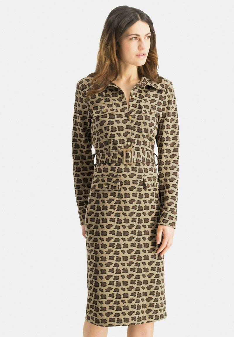 Nicowa - PATINO - Shift dress - braun