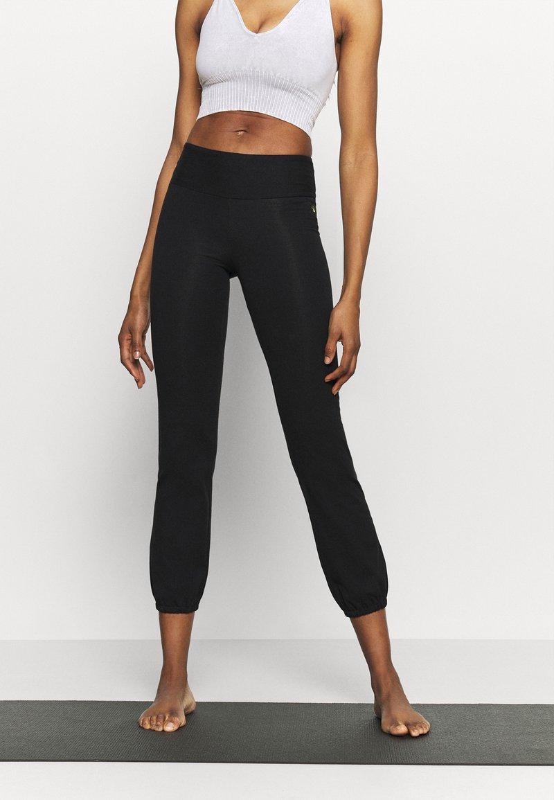 Deha - JOGGER PANTS - Tracksuit bottoms - black