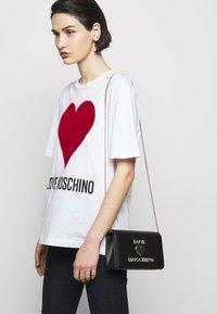 Love Moschino - Across body bag - nero - 0