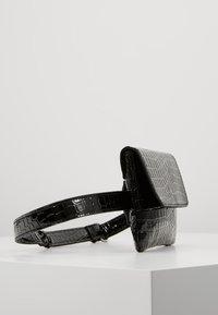 Vero Moda - Bum bag - black - 3