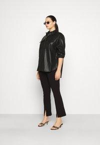 Vero Moda Curve - VMPAULINA VIP  - Skjorte - black - 1