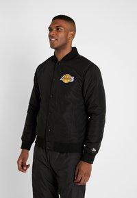New Era - NBA TEAM LOGO JACKET LOS ANGELES LAKERS - Training jacket - black - 0