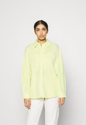 OVERSIZED SHIRT - Košile - green