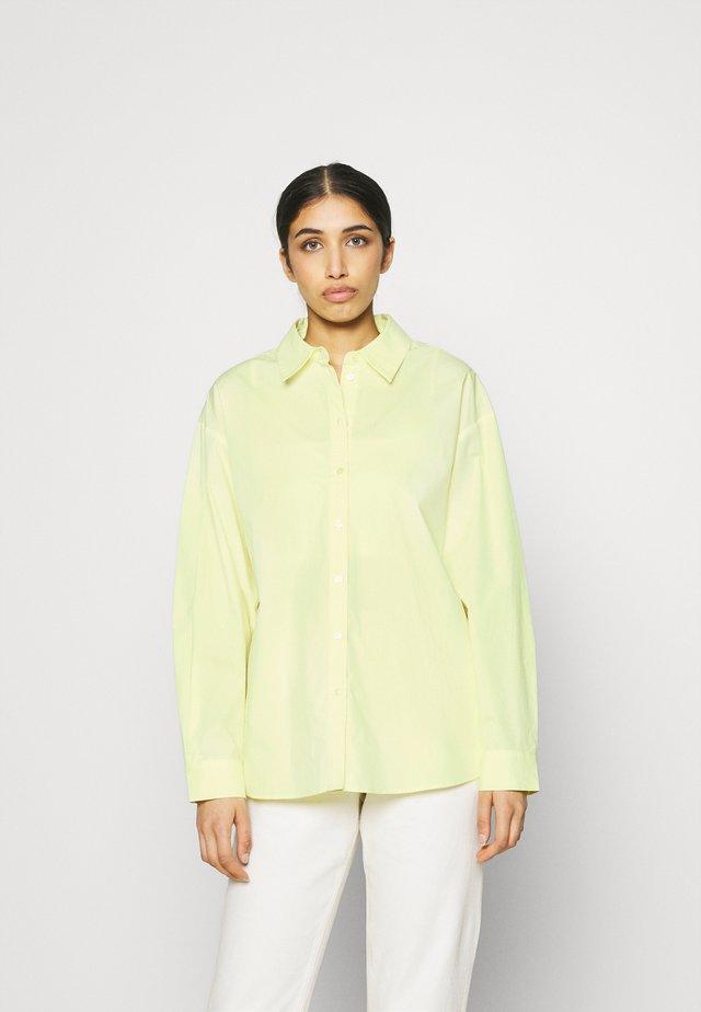 OVERSIZED SHIRT - Koszula - green