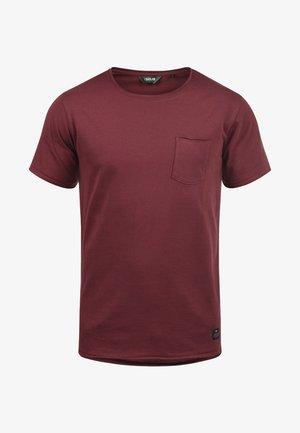ANDREJ - Basic T-shirt - wine red