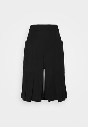 PLEAT FRONT CULOTTES - Shorts - black