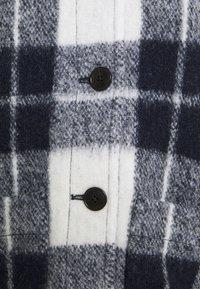 Madewell - AUSTIN COAT IN FUZZY PLAID - Klasický kabát - maryl/ink - 2
