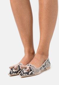 Pretty Ballerinas - DANI - Ballet pumps - roccia/airin/coco - 0