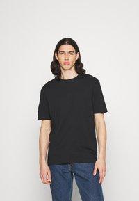 YOURTURN - 2 PACK UNISEX - Basic T-shirt - black/black - 1