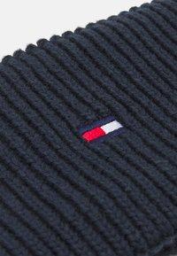 Tommy Hilfiger - SMALL FLAG HEADBAND UNISEX - Ear warmers - desert sky - 2