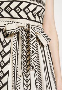 Vero Moda - VMDICTHE SINGLET ANCLE DRESS - Maxi dress - birch/dicthe/black - 5