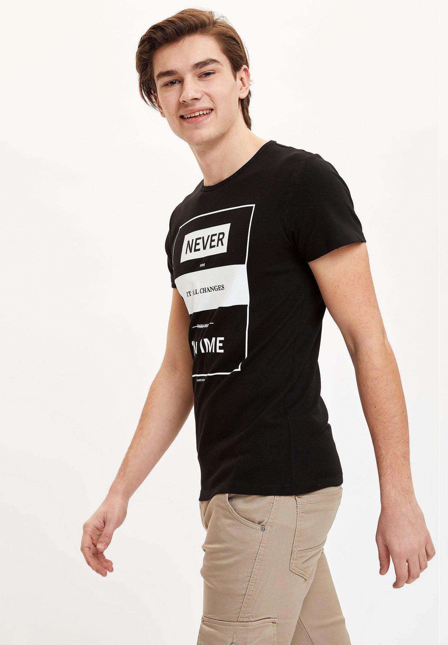 DeFacto Print T-shirt - black EsoBN