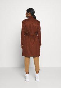Selected Femme Petite - SLFMELLA  COAT - Classic coat - bordeaux - 2