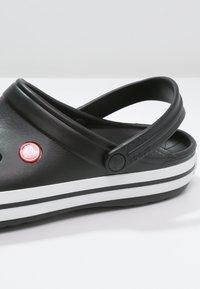 Crocs - CROCBAND UNISEX - Clogs - schwarz - 5