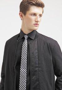 Eton - SLIM FIT - Formální košile - black - 3