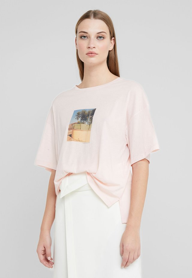 T-shirts med print - soft pink