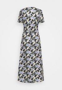 Missguided Tall - HALF BUTTON TEA DRESS - Maxi dress - black - 1