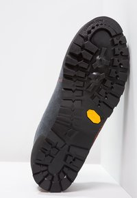 Millet - FRICTION - Climbing shoes - anthracite - 4