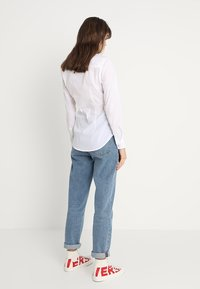 Tommy Jeans - ORIGINAL - Button-down blouse - classic white - 2