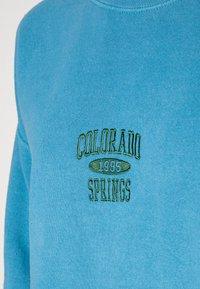 BDG Urban Outfitters - COLORADO SPRINGS CREWNECK - Sweatshirt - blue - 4