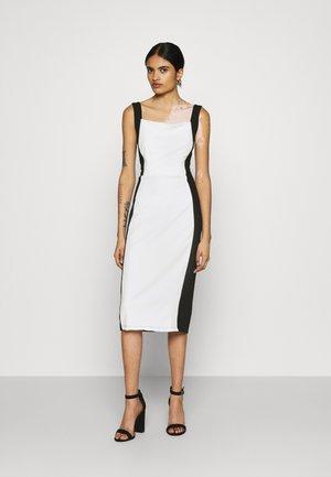 IVY STRAP BODYCON DRESS - Fodralklänning - white/black